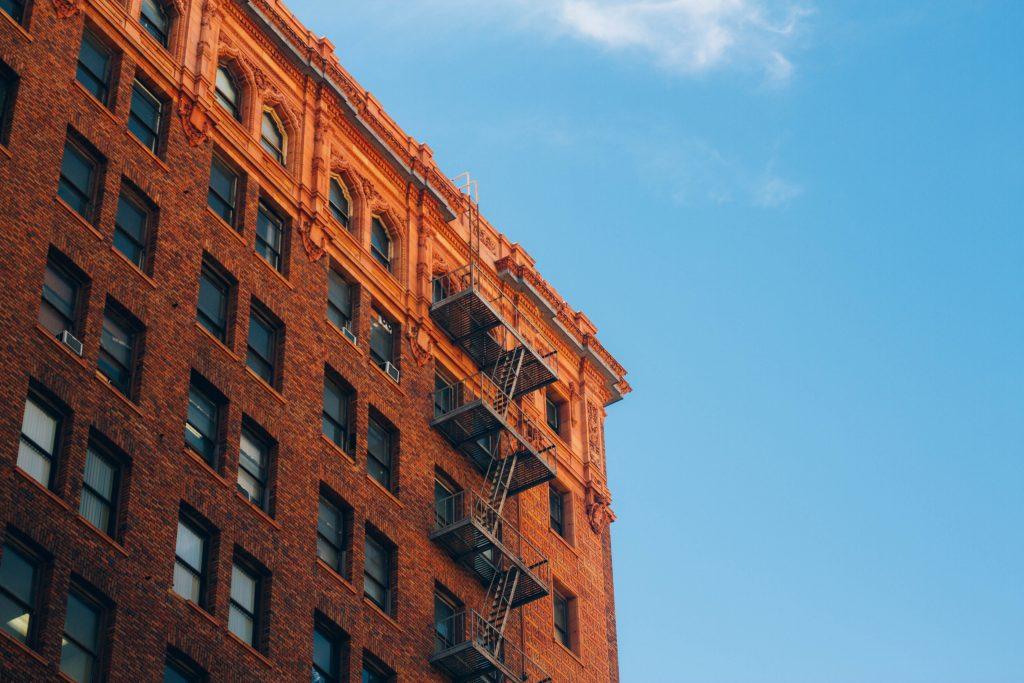 jay-blacks-268085-1024x683 新築物件購入者必見!住宅瑕疵担保履行法について徹底解説