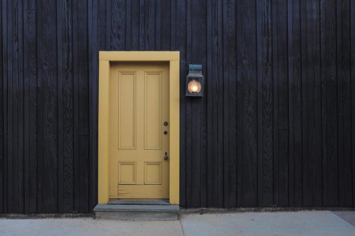 木造アパートへの投資は本当に儲かるのか?メリット・デメリットに迫る