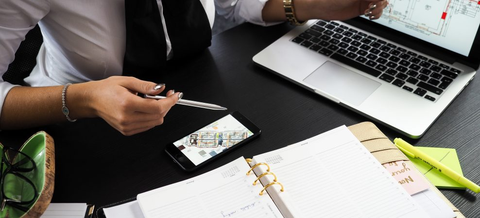 REITと実物不動産、サラリーマンが今はじめるべき投資はどっち?