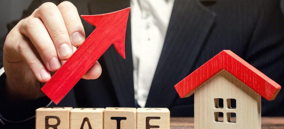 フラット35の金利水準が上昇!住宅ローンや不動産投資への影響は?